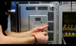 11 300x183 Cómo cambiar el motor del microondas