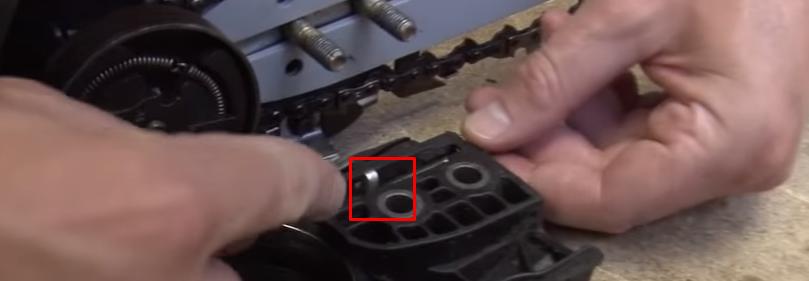 Cómo cambiar la cadena de una motosierra 13 Cómo cambiar la cadena de una motosierra