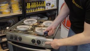 regulator 3 300x170 Cómo Cambiar el Regulador de su Cocina