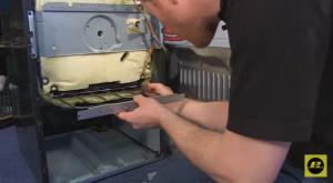 Cómo cambiar la resistencia inferior del horno 6 300x165 Cómo cambiar la resistencia inferior del horno
