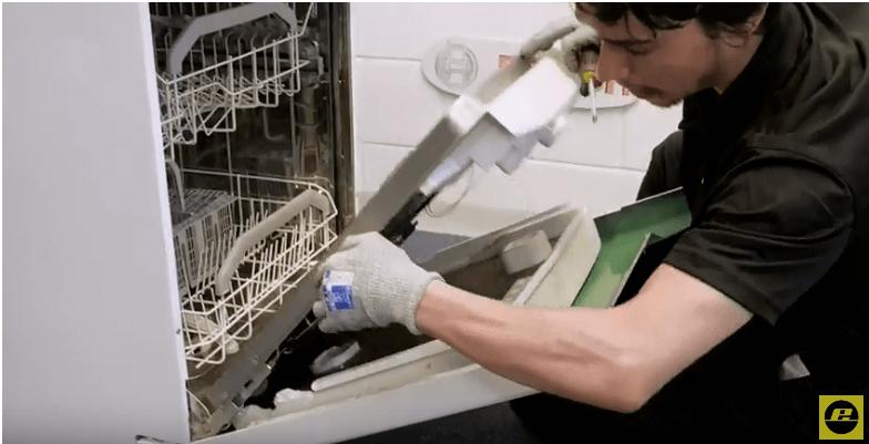 Panel caerá Reparar el cierre de un lavavajillas