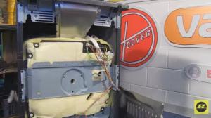 cómo cambiar la resistencia inferior del horno 2 300x168 Cómo cambiar la resistencia inferior del horno