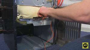 cómo cambiar la resistencia inferior del horno 3 300x167 Cómo cambiar la resistencia inferior del horno