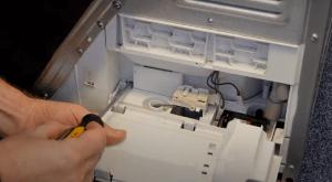 image 4 300x165 Cómo cambiar la bomba de condensador de una secadora beko