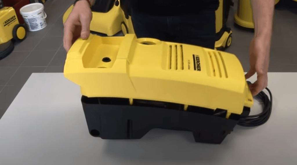 Reassembly 1024x570 Sustitución de los conectores de entrada y salida en una hidrolimpiadora Karcher