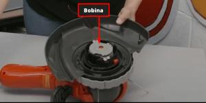 Bobina Cómo cambiar la bobina de hilo en un cortabordes Flymo