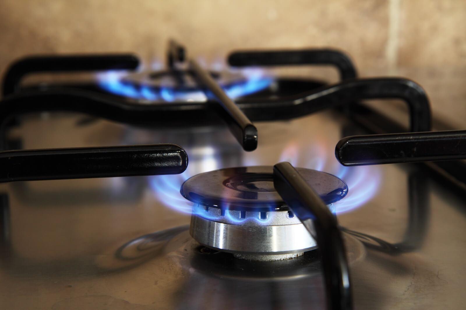 canva a cooking stove turned on MADQ5GHfm0M ¿Por qué no enciende mi cocina de gas?